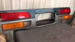 Вставка двери багажника Toyota оригинал