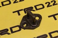 Петля замка багажника Toyota Ipsum ACM21/ACM26, Контрактная.