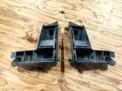 Кронштейны заднего бампера правый и левый Volvo XC70 30678650 3678651