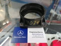 Промежуточный фланец перед дросселем Mercedes A2740900144