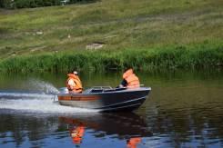 Алюминиевая лодка Wellboat-42NexT румпельное управление.