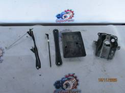 Крепление аккумулятора Toyota Corolla Spacio NZE121N (1NZ-FE)