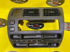 Блок управления климат контролем Toyota Corolla.