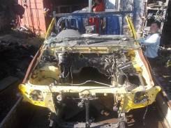 Половина кузова Nissan Terrano, передняя