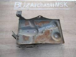 Крепление аккумулятор Nissan Cube, March K11