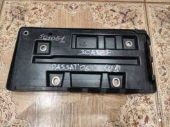 Подставка под акумулятор Passat