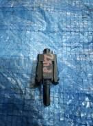 Концевик ручника Mercedes-BENZ 190 W201