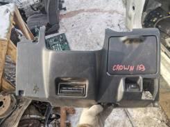 Продам панель тарпедо нижнюю на Toyota Crown JZS153