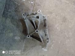 Кронштейн генератора VW Passat [B3] 1988-1993