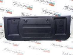 Обшивка двери багажника нижняя Mitsubishi Pajero V97W 2007 г.