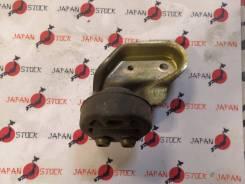 Крепление глушителя Toyota Caldina ST195G 3S-FE