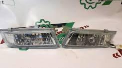 Фара противотуманная Toyota Ipsum 01-09 / Hiace Regius 99-02