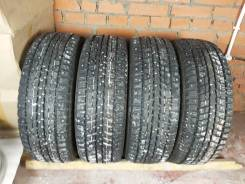 Dunlop SP Winter Ice 01, 215/65 R16