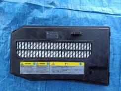 Крышка АКБ на AUDI Q7 2007г. 4LB