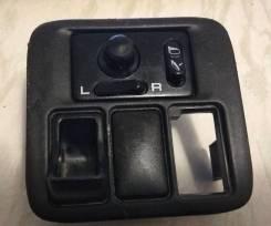 Блок управления зеркалами Nissan Cube (25570-31U10)