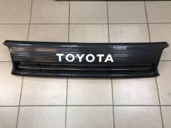 Решетка радиатора Toyota Hiace 90-95 / 53100-95J22 /