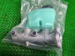 Главный тормозной цилиндр Toyota Land Cruiser 47201-60511