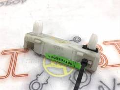 Крепление заднего бампера Nissan Qashqai (J10) 2006> [85222JD00A]