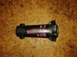 Болт крепления запасного колеса VAG 8D0803899C на Ауди A4/ A6