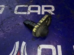 Концевик двери Toyota Corolla Axio, правый задний