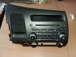 Магнитола штатная Хонда с панелью и дисплеем 39100SNAG220M1 Honda Civic 8 4D (FN FK)