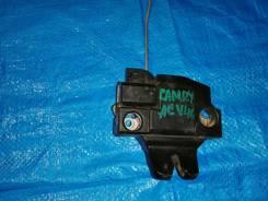 Продам замок багажника на Toyota Camry ACV40