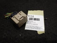 Блок электронный Toyota Avensis [8198005040] AZT250