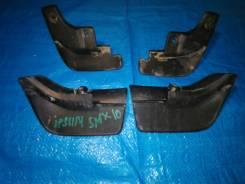 Продам брызговик на Toyota Ipsum SXM10