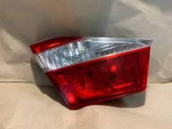 Фонарь внутренний левый Toyota Camry V50