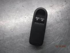 Кнопка стеклоподъемника Nissan Terrano 2014 [156018090] F4R, передняя левая