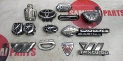 Эмблема решетки радиатора Toyota