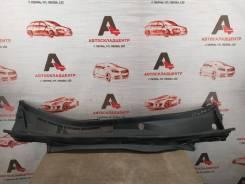 Накладка ветрового стекла (жабо) Lexus Es -Series 2012-2018