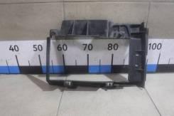 Рамка радиатора Renault Duster [215587801R]