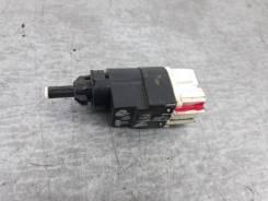 Концевик педали тормоза Renault Sandero 2012-2018 [253206170R] 5S K7M812