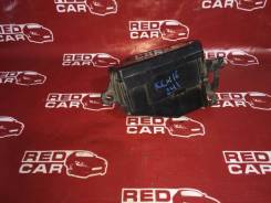 Блок предохранителей под капот Toyota Grand Hiace 1999 KCH16-0025168 1KZ