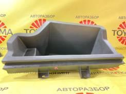 Ящик для инструментов правый Toyota Avensis 2 2003-2008