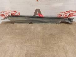 Накладка крыла в моторном отсеке (кожух болтов) Toyota Land Cruiser 200 (2007-Н. в. ) 2007-2015 [5380560021], правая