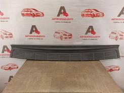Накладка бампера заднего Toyota Land Cruiser 200 (2007-Н. в. ) 2007-2015 [5216260040]