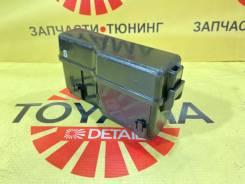 Блок предохранителей моторного отсека Toyota Avensis 2 2003-2008