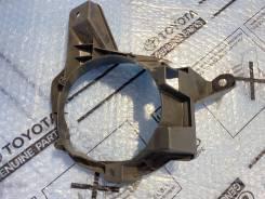 Кронштейн крепления правой ПТФ Toyota Rav 4 acv40