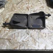 Кранштейн амортизатора мицубиси L200