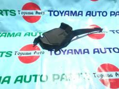 Уголок жабо правый Honda Fit GE6