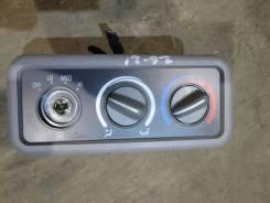 Блок управления печки/климат-контроля Chevrolet Suburban 1995 [16181185] GMT400 5.7