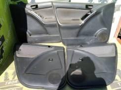 Обшивки дверей Toyota Matrix