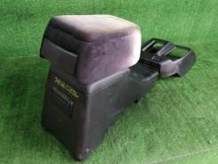 Бардачок между сиденьями Isuzu Vehicross 1997