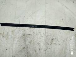 Уплотнитель стекла Ford Focus 2 2007 [1523456] HXDB, передний левый
