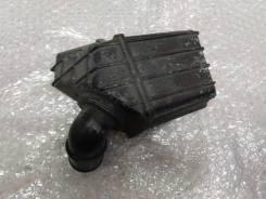 Резонатор воздушного фильтра верхний малый Mazda 3 (Bk) 2002-2009 [LF5013195A]