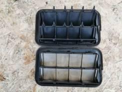 Клапан вентеляци багажного отсека (пара) Toyota/Lexus