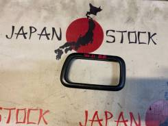 Накладка на ручку двери внутренняя задняя правая Nissan Avenir W11