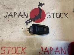 Блок управления стеклоподъемниками задний правый Nissan Avenir W11